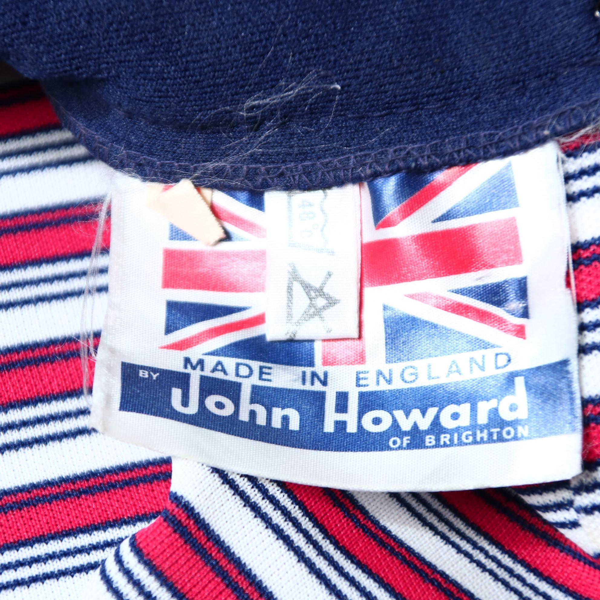 00824f78435e ... John Howard mörkblå vintageklänning med röda och vita ränder S.  Previous Next